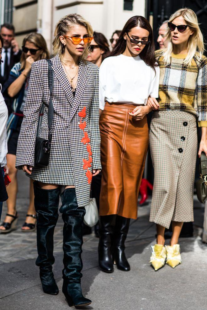 Street style à la Fashion Week printemps-été 2018 de Paris  Photo par Sandra …