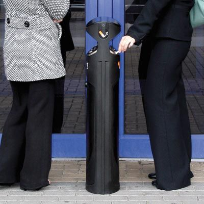 The Ashguard SG® is a double sided outdoor, floor standing cigarette bin, ideal for entrance areas. It has a large capacity and is easily accessible from both sides. #GlasdonUK #CigaretteBin #CigaretteDisposal