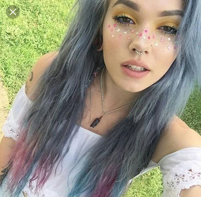 #billiedawnwebb #longhair #greyhair #silverhair #dyedhair #prettygirls #pretty #cute #girls #alternative #emo #scene #youtuber ##piercings