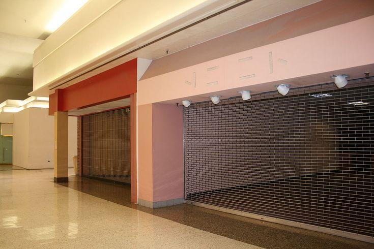 Dead mall - Wikipedia