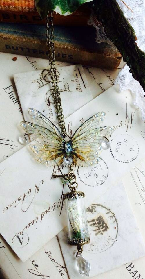 https://www.etsy.com/nl/listing/193789161/enchanting-faerie-wings-and-wing-keeper