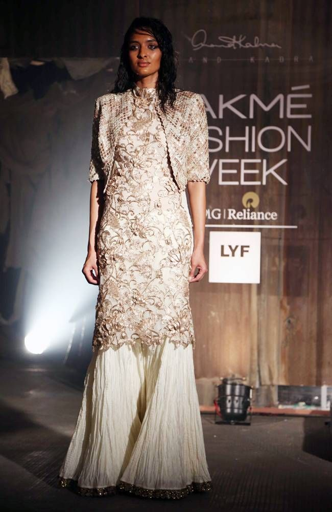 Model posing on the ramp for designer Anand Kabra at #LFW2016 show. #Fashion #Style #Beauty #Hot #Sexy