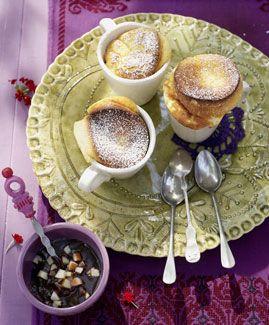 Quarksoufflé mit Birnen-Schokoladen-Sauce - Rezepte - [LIVING AT HOME]