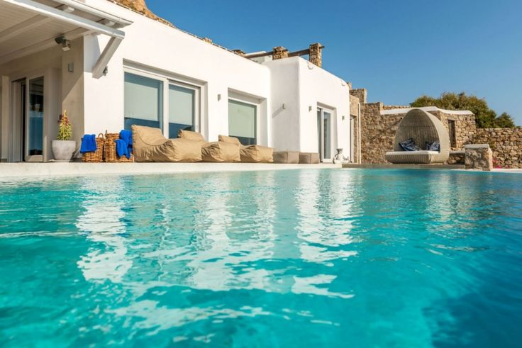 The beauty of the sea awaits your pleasure! Villa Selena is ideally located in the prime region of St. John with an excellent view to Delos Island and a magnificent sunset over the bay. Selena comfortably accommodates twelve guests with six generously appointed bedrooms (5 ensuite).