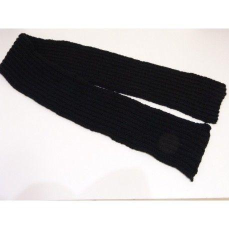 Bonnet taille unique pour adulte homme   femme ou adolescent. Echarpe noire  très douce   3914562d0f5