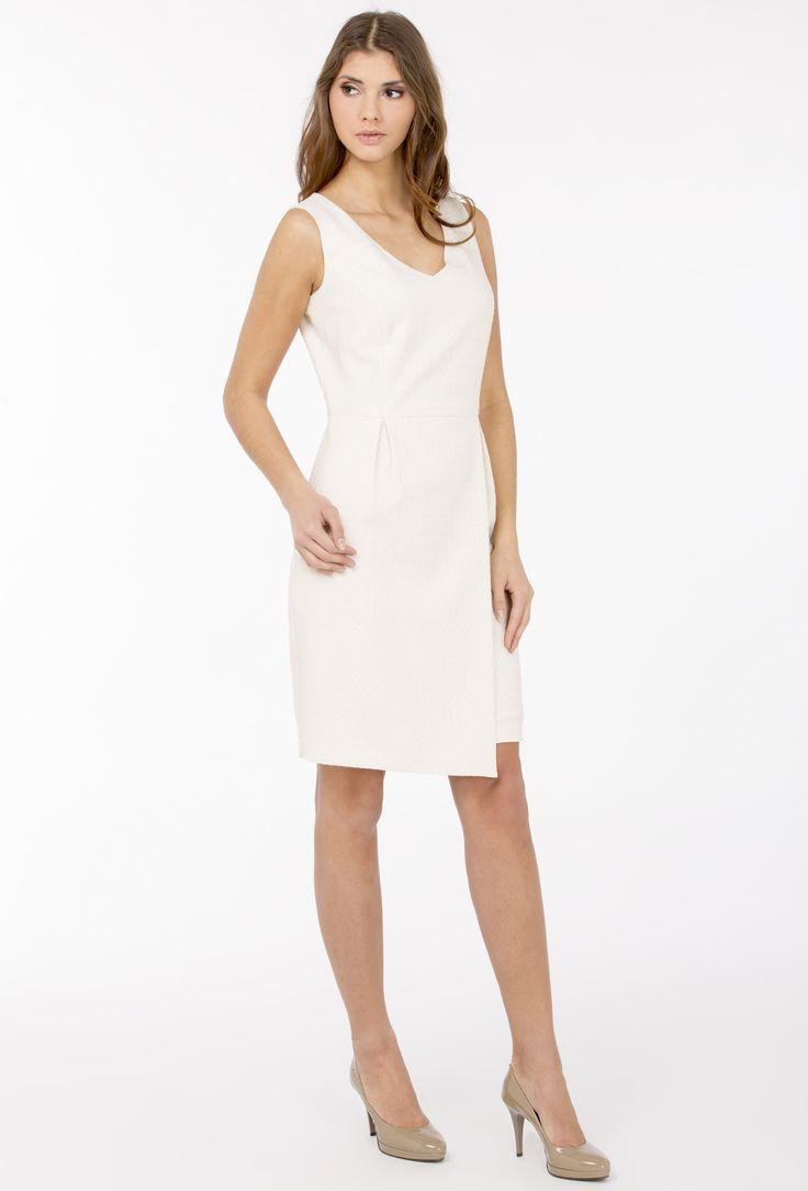 Koktajlowa sukienka z geometrycznym wzorem