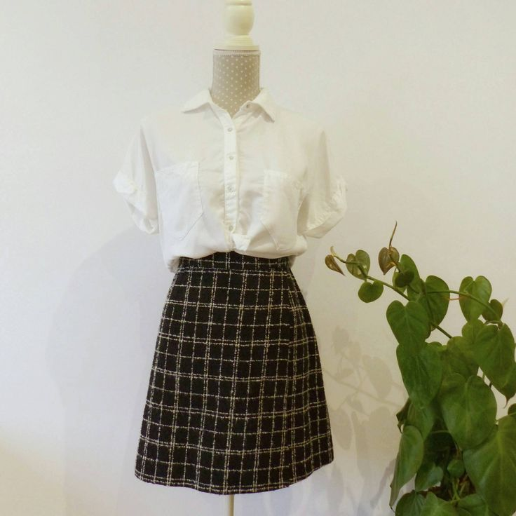 *** By MAletaVintageClothes on Etsy: Office Vintage clothing 80s 90s. Plaid schoolgirl mini skirt, black and white. A line wrap skirt. Autumnwool skirt. Size M.