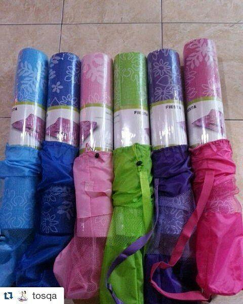 #Repost @tosqa with @repostapp  Matras Yoga Matt mat 6mm MOTIF BUNGA  FREE BAG CANTIIKKKK !!! BAHAN ANTI SLIP  ANTI LICIN  ANTI JELEK  ANTI MAHAL Matras Yoga / Yoga Mat 173cm x 61cm x 6mm  Matras Yoga  tas matras. WARNA YOGA MAT : PINK MUDA HIJAU UNGU TUA BIRU MUDA DLL (URUTKAN PRIORITAS KARENA BBEBERAPA WARNA ADA YG JUMLAH NYA SEDIKIT)  di keterangan masukkan prioritas warna yg diinginkan berurutan contoh : hijau orange pink (jika tidak ada hijau dikirimkan orange jika tidak ada orange…