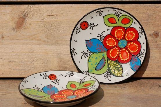 Fraai handbeschilderd Spaans aardewerk