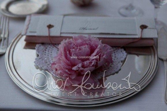 Matrimonio d'amore, delicatezza e romanticismo con una mise en place semplice e raffinata