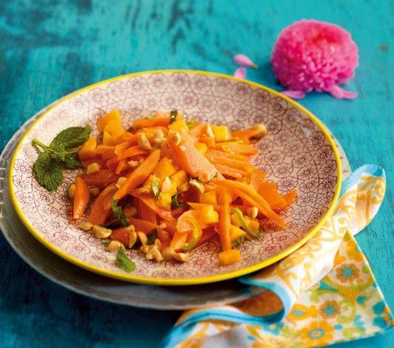 Möhren-Mango-Salat: 1001 auf dem Teller mit grüner Pfefferschote, Honig, Limette und Minze