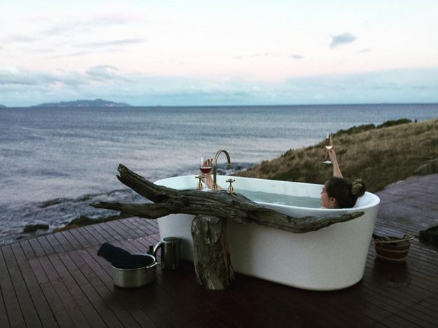 Take a soak in the world's most scenic bathtub. | 27 Things You Didn't Know You Could Do In Tasmania