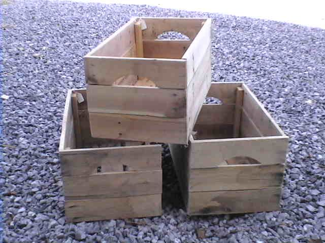 How To Make Apple Crates From Reclaimed Pallet Wood to use in DIY projects!