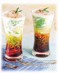Indonesian Foods Corner: Es Cendol Recipes. This is the best cool, sweet summer drink ever! Oma used to make it for us, I have to try this recipe!