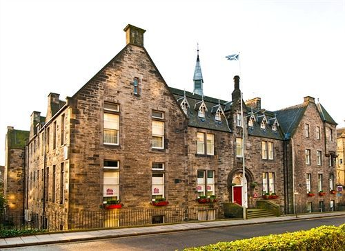 Edinburgh City Hotel, Edinburgh, Scotland -- Check Availability and the Best Rates here >> http://www.lowestroomrates.com/avail/hotels/United-Kingdom/Edinburgh/Edinburgh-City-Hotel.html?m=p A stay at Edinburgh City Hotel places you in the heart of Edinburgh, walking distance from Royal Lyceum Theatre and King's Theatre. This family-friendly hotel is close to Edinburgh International Conference Centre and Edinburgh Castle. #Edinburgh #CityHotel #EdinburghHotels