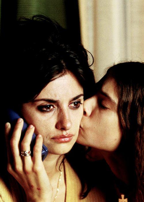"""""""¡Venga, bonita!, tómate un ansiolítico y yo me voy a tomar otro también"""" Volver, 2006, Pedro Almodóvar"""