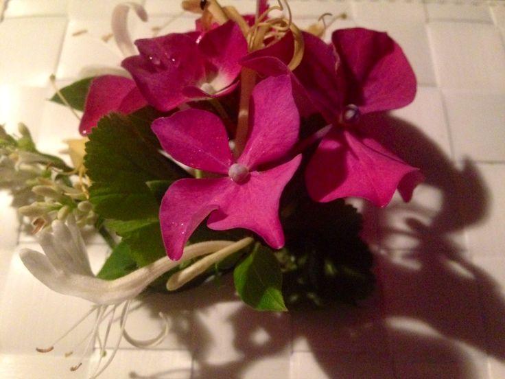 semifreddo Claudia's mint cream floral decoration