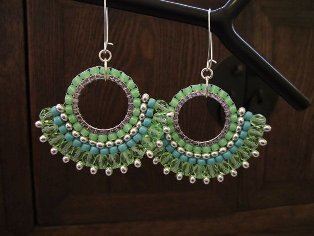 Sunburst earrings or pendant - Brick Stitch around a ring.  Good beginner project from  Legendary Beads  ~ Seed Bead Tutorials