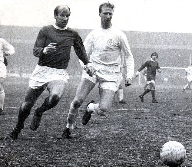 Sir Bobby Charlton (and brother Jack, right)
