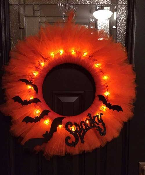 How To Make A Glowing Halloween Tulle Wreath