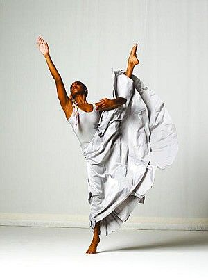 Beautiful - Ailey dancers make me happy (p.s. Alvin Ailey was an original member of the Horton company - just saying)