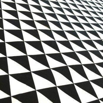 Tissu de coton à triangles noirs et blancs - Oekotex