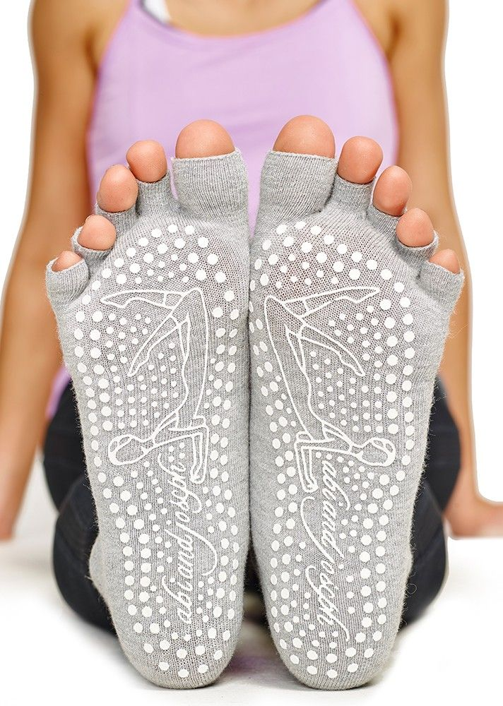 A must-have for Pilates class, Yoga and simply wearing around the house, our non-slip/non-skid socks feature a grip sole with abi and joseph's iconic 'abi' design and toeless detail to increase your grip while keeping your feet warm.