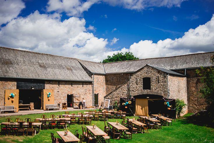 Outdoor barn wedding - wedding reception ideas - wedding reception decoration ideas  #rusticweddinginspiration