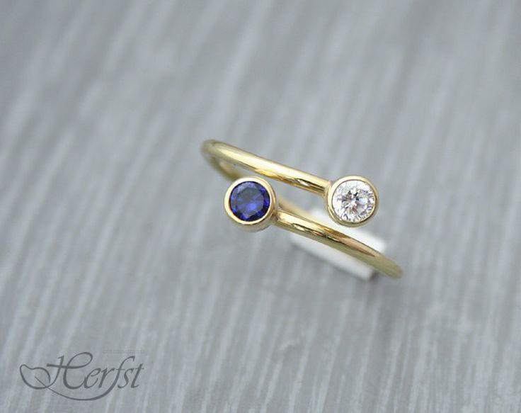 Birthstone Ring, 14K solid geel goud, gepersonaliseerde ring, Geboortestenen door GoudsmederijHerfst op Etsy https://www.etsy.com/nl/listing/180815719/birthstone-ring-14k-solid-geel-goud