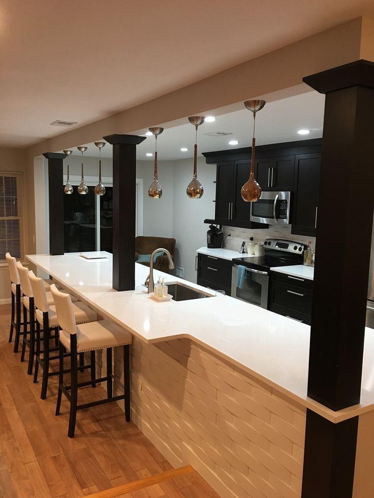 Kitchen remodel using 3-D tile.