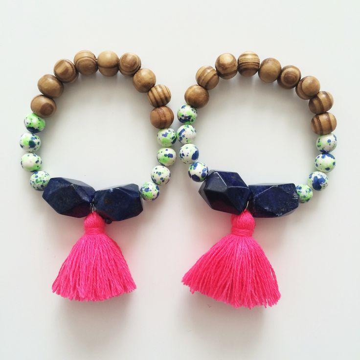 Neon pink tassel bracelet - Blue agate - beaded bracelet