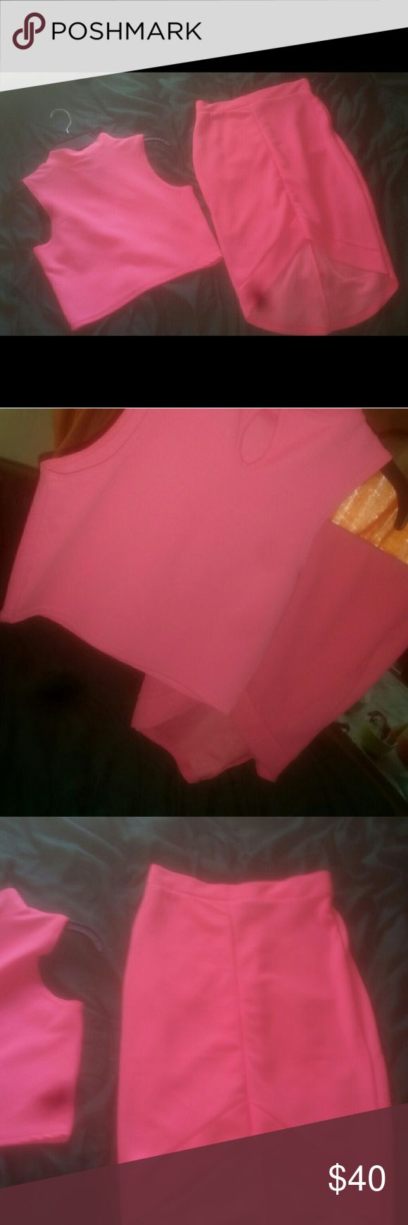 💕 PINK Top & Skirt Set 💕💕 Medium 💙  Hot pink skirt w/ matching top slit in the front Never worn! Dresses Mini