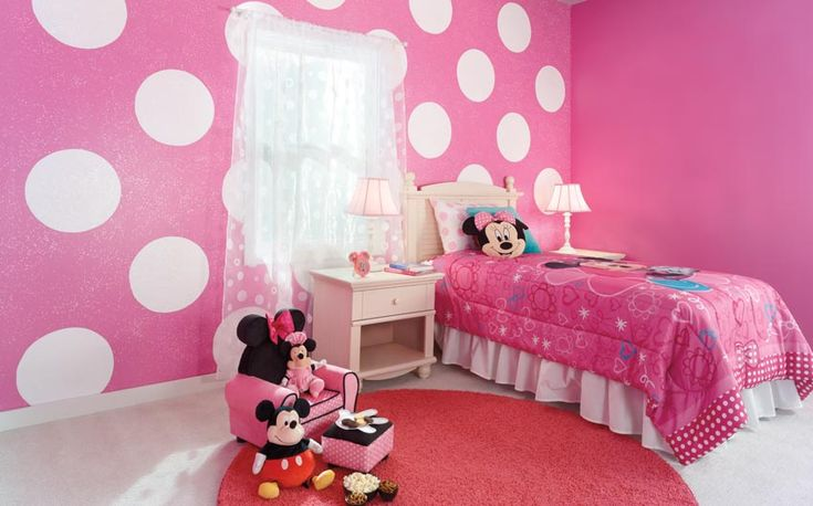 coolest minnie mouse bedroom with sparkly pink paint and. Black Bedroom Furniture Sets. Home Design Ideas
