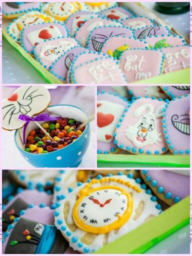 Alice in wonderland cookies for candy bar