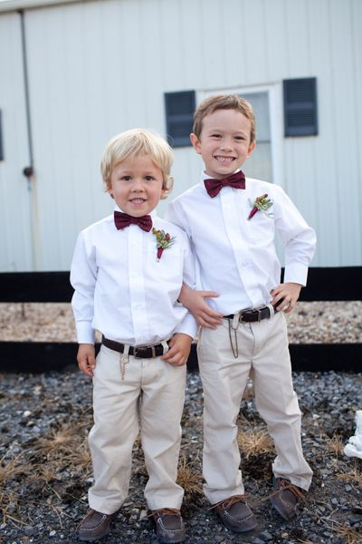 little ring bearer bow ties | Katie Nesbitt #wedding
