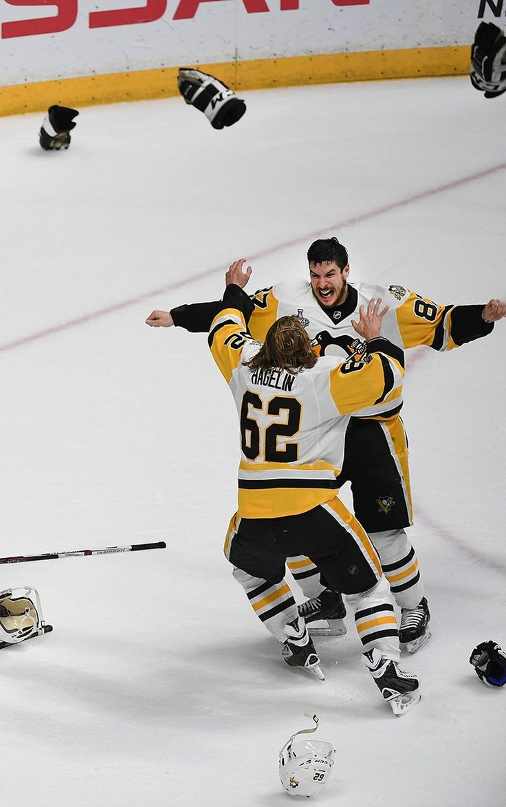Peter Diana‏ @peterdianapghpg Penguins Sidney Crosby celebrates with Carl Hagelin after winning the Stanley Cup #Penguins #StanleyCupFinal2017 #NSHvsPIT
