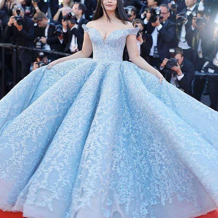 #Cannes 2017 - #best #dress  #bollywood #hollywood #style #vogue #Vegas #beautiful #Designer #Fashion #moda #actress #aishwaryarai #celebrity #beauty #gown http://tipsrazzi.com/ipost/1518556352673554965/?code=BUS_vUEhSIV
