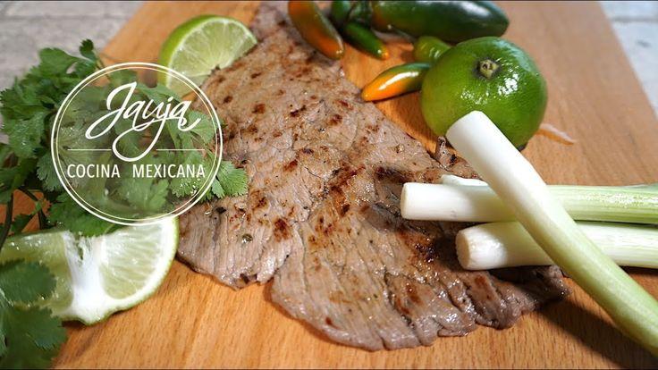 Cómo Marinar Bisteces. Cómo Marinar Bistec para asar y para tacos. Marinado original y exclusivo de Jauja Cocina Mexicana. Bisteces de res suavecitos marinados con cítricos, aromáticos, sal y aceite de oliva y asados a la perfección. Ingredientes, técnicas paso-a-paso y secretos para marinar bisteces de res asados y suavecitos. Una receta favorita de Jauja Cocina Mexicana de tacos de bistec para las taquizas con la familia. Buen provecho. https://www.youtube.com/user/JaujaCocinaMexicana