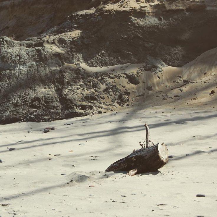 Cliff beach in Orzechowo Poland . . . #ustka #ustkanafali #igerspoland #igerseurope #igerseu #travelcommunity #timeoutsociety #welivetoexplore #teamwanderlust #wltraveler #wearetravelgirls #girlslovetravel #theglobalgirls #ladiesgoneglobal #femmetravel #wonderful_places #beautifuldestinations #unfoldingroad #thevisualpassport #travel_drops #landscapephotography #seaside #beach #polskiemorze #sealandscape #cliff