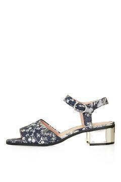 DAINTY Heeled Sandal