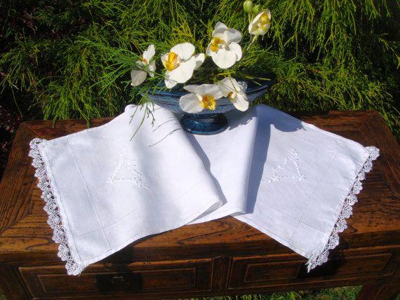 Vintage Linen Table Runner Rectangle  by MyBlueHummingbird on Etsy