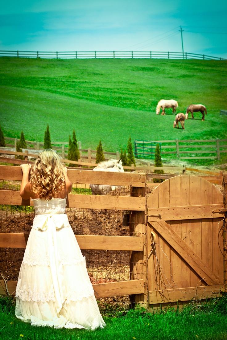 www.photographybyrowen.smugmug.com