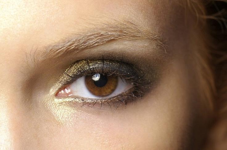 Trucco occhi metallico