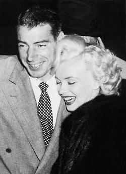 Marilyn Monroe & Joe DiMaggioMarilyn Monroe Joe 1954, Marilyn Norma, Husband Joe, Love Marilyn Monroe, Marilyn Monroe Joe Dimaggio, Marilynmonroe, Norma Jeans, Marily Monroe, February 1954