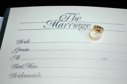 Cómo obtener una licencia de matrimonio en Richmond, VA | eHow en Español