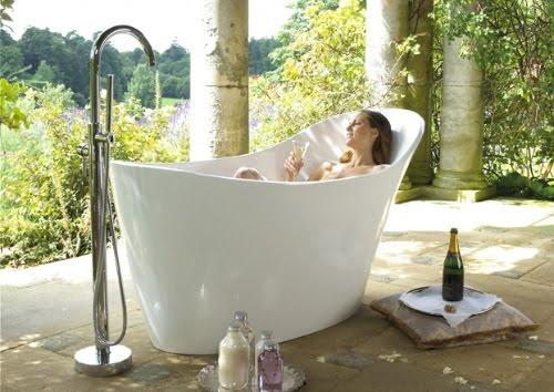 Heavenly Outdoor Bathtub, Amalfi, Italy