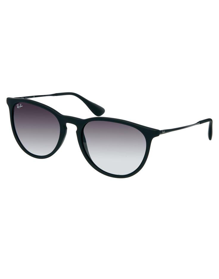 €170, Dunkellila Sonnenbrille von Ray-Ban. Online-Shop: Asos. Klicken Sie hier für mehr Informationen: https://lookastic.com/men/shop_items/66319/redirect