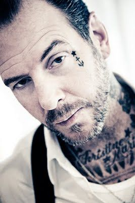 mike-ness-gallery-1-7.jpg 267×400 pixels