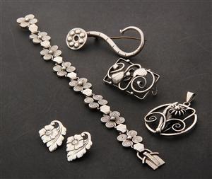 Lauritz.com - Jewellery - miscellaneous - Julius Klagenborg m.fl. Samling vintagesmykker af sølv (6) - DK, Vejle, Dandyvej