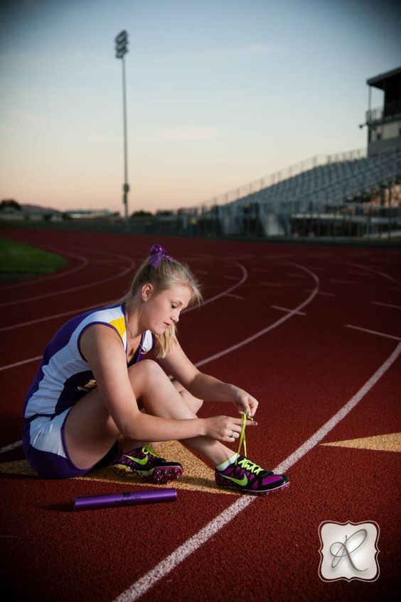 SENIOR PICTURES TRACK | Ashlyn | BHS Track & Field Senior Pics
